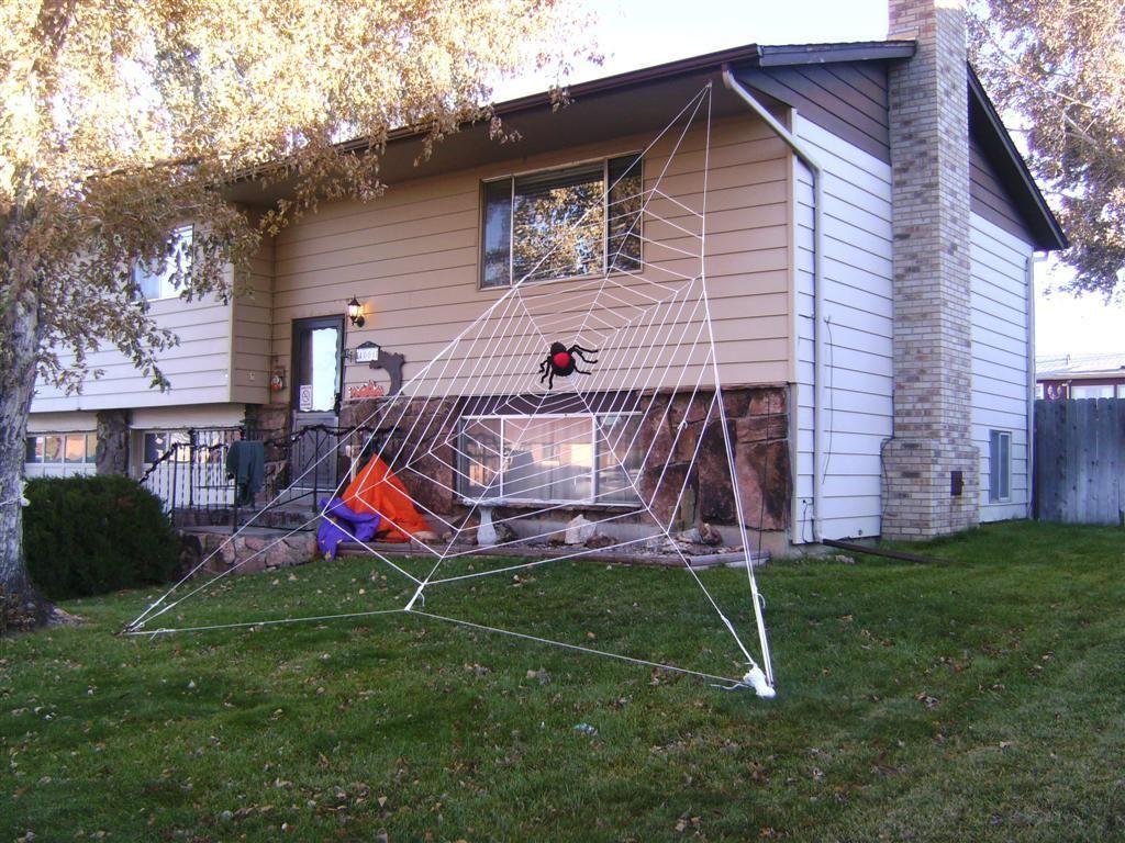 DIY Halloween : DIY Gigantic Halloween Spider Web