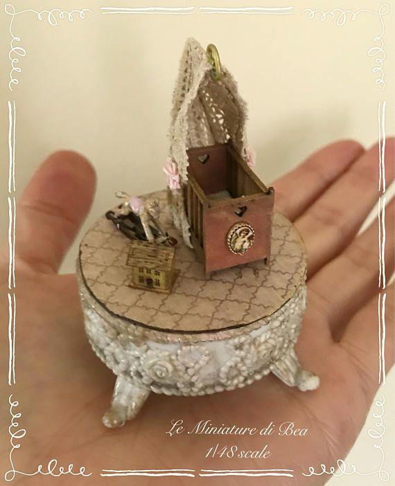 Casa De Muñecas = metal sin pintar Caballo Mecedora
