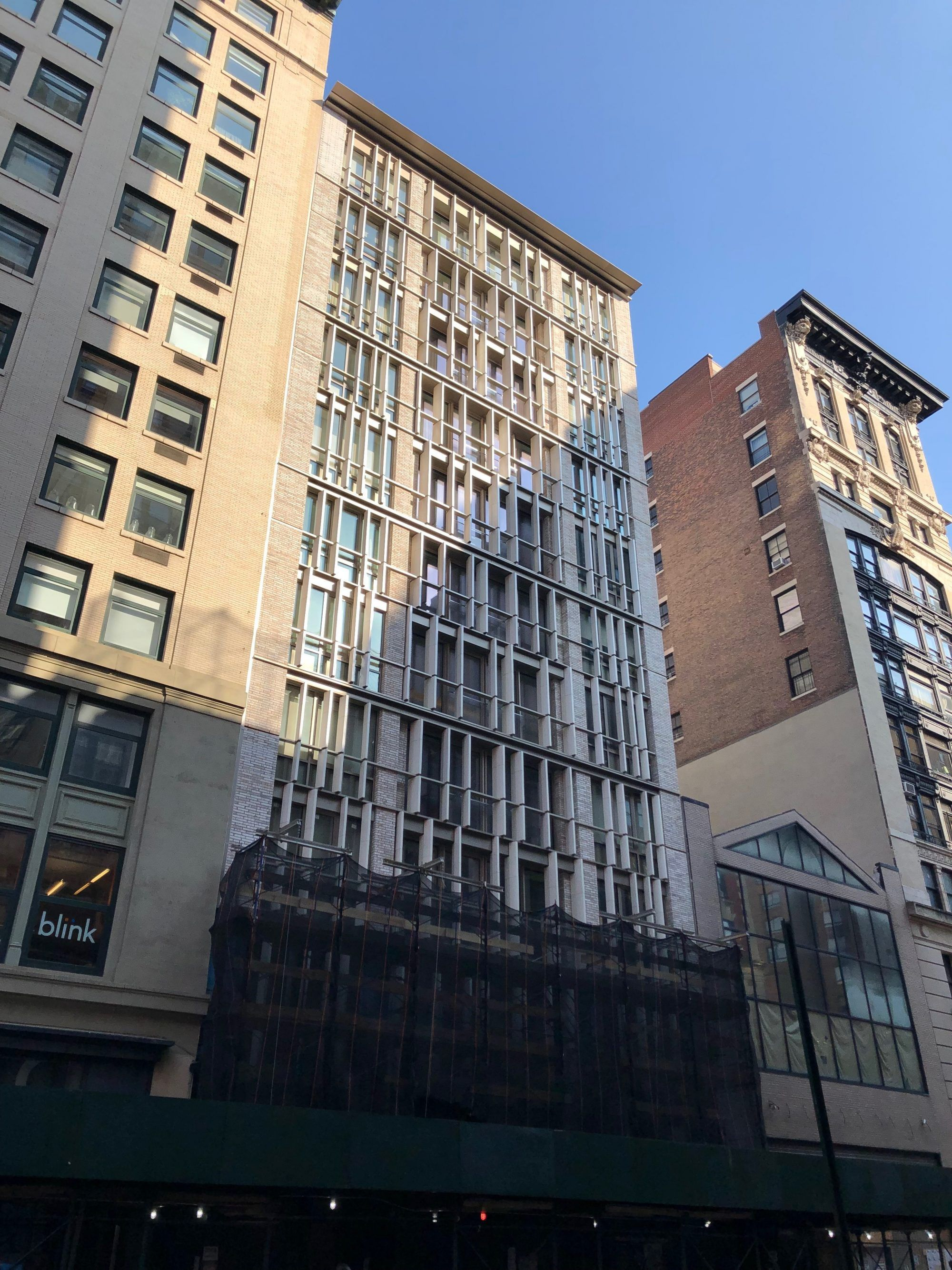 Gleaming Terracotta Facade Revealed At 1 Great Jones Alley Aka 688 Broadway In Noho Facade Noho Terracotta