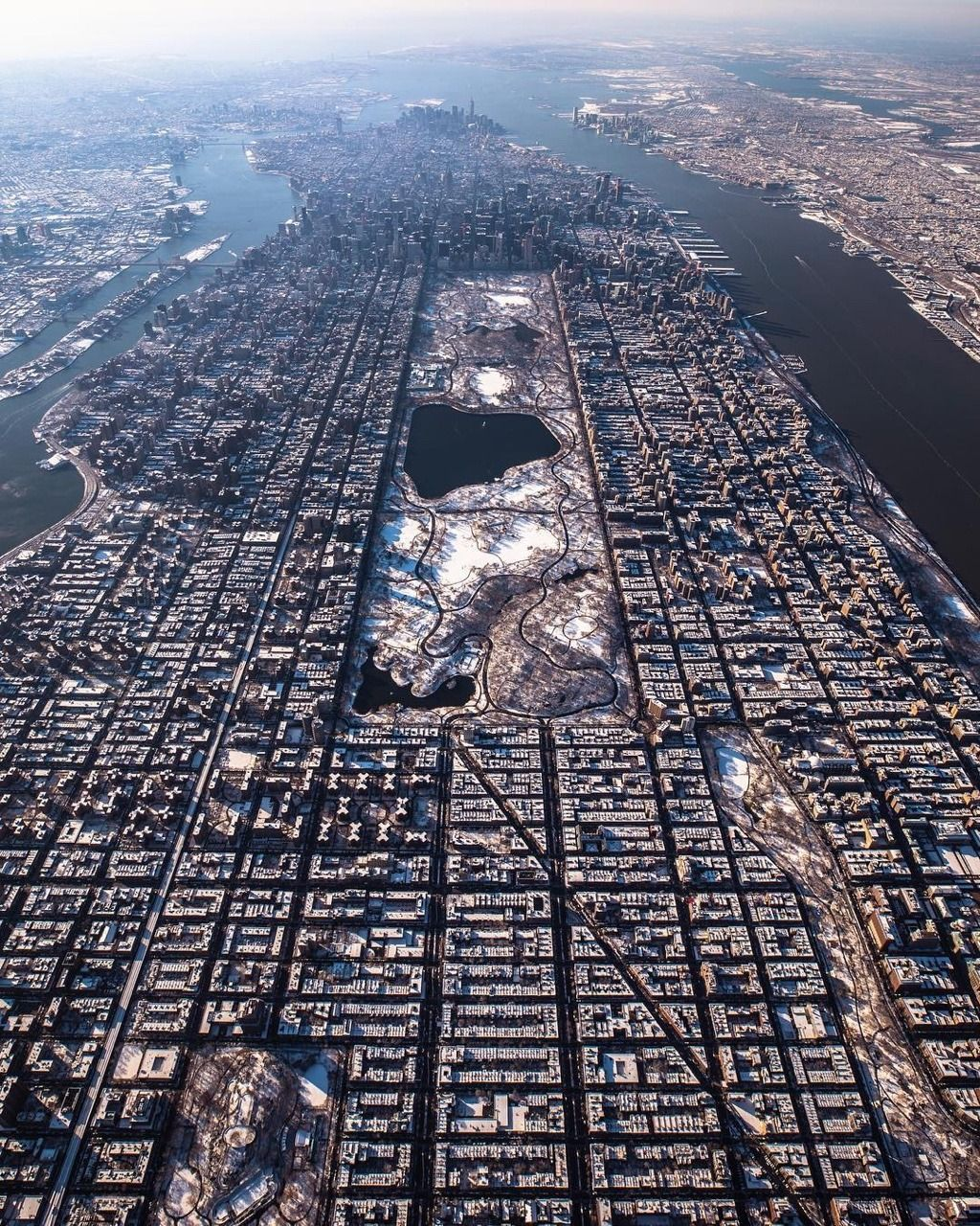 Manhattan To New York City: Manhattan From Above By @Craigsbeds In 2019