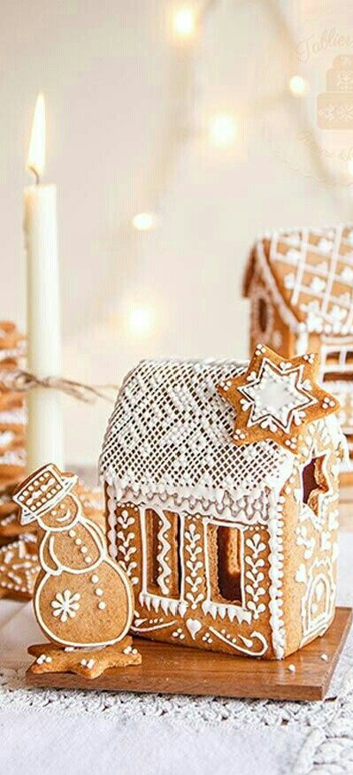 Pictures Of Gingerbread Houses For Christmas