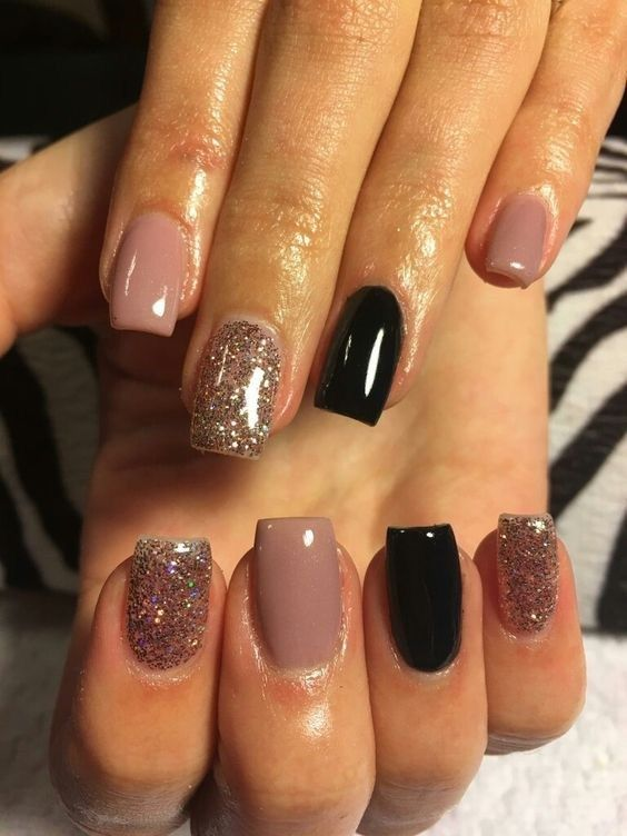 The Cool Thing About Accent Nails Is That You Don T Need A Design On Every Finger Try Adding Black Accents All Ten Or Compliment One Two