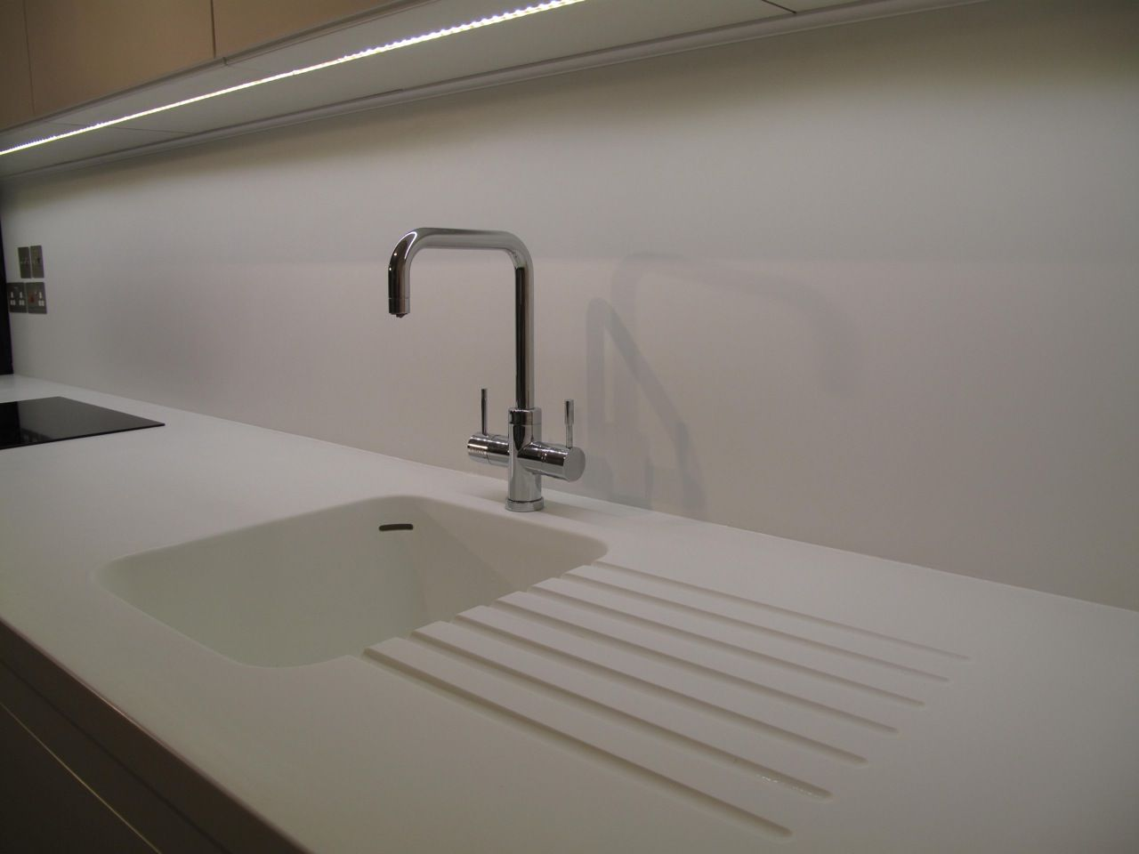 Tech 700bcgiar Gia Contemporary Led Bathroom Lighting: Corian Sink And Led Lighting Strip With Full Height Corian
