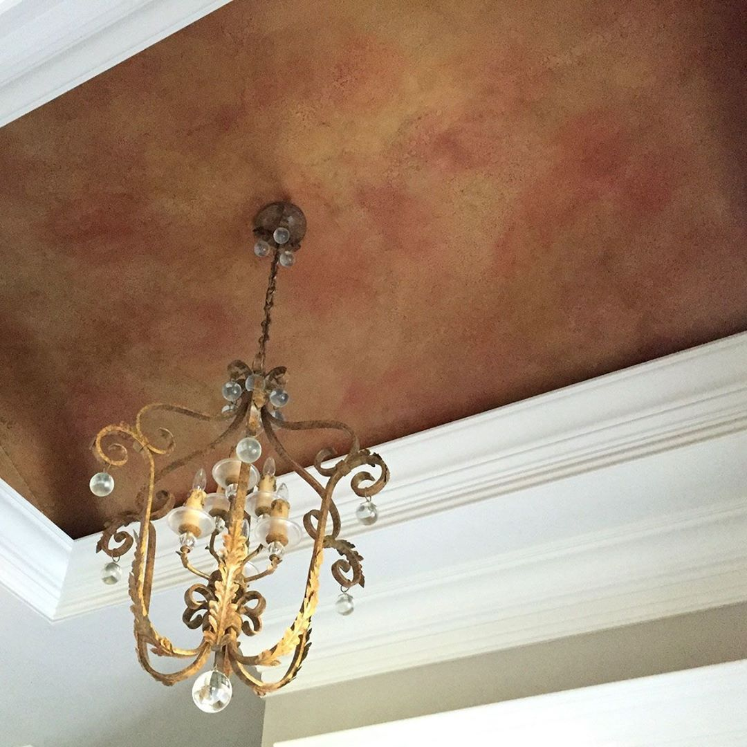 Copper Finish Done On A Foyer Tray Ceiling Southern Inspirations Cross Hatched Several Metallic Pa Painted Tray Ceilings Metallic Paint Colors Painted Ceiling