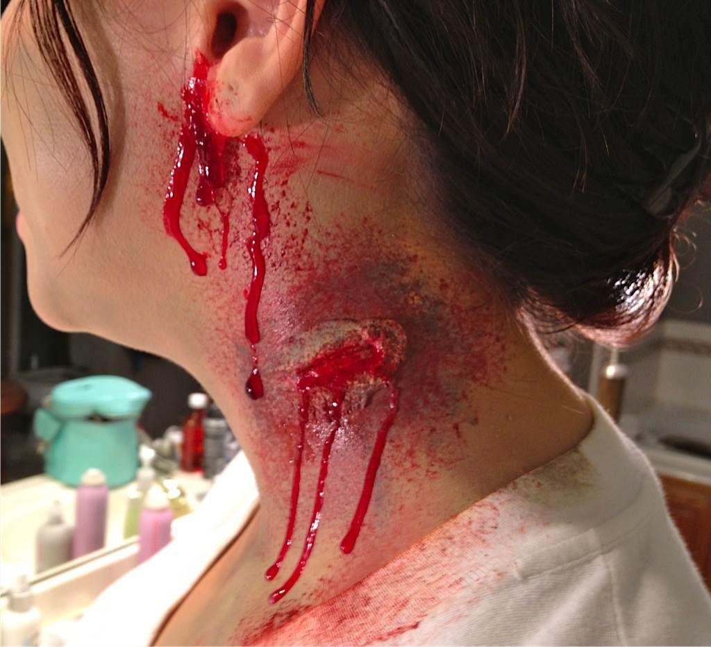 how to apply fake wounds for a zombie costume halloween zombies are coming - Halloween Fake Wounds