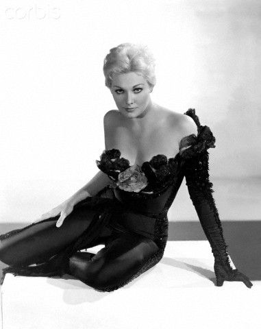 Kim Novak black jumpsuit cat suit off shoulder glove sexy vintage outfit 40s 50s 60s photo print ad model magazine movie star