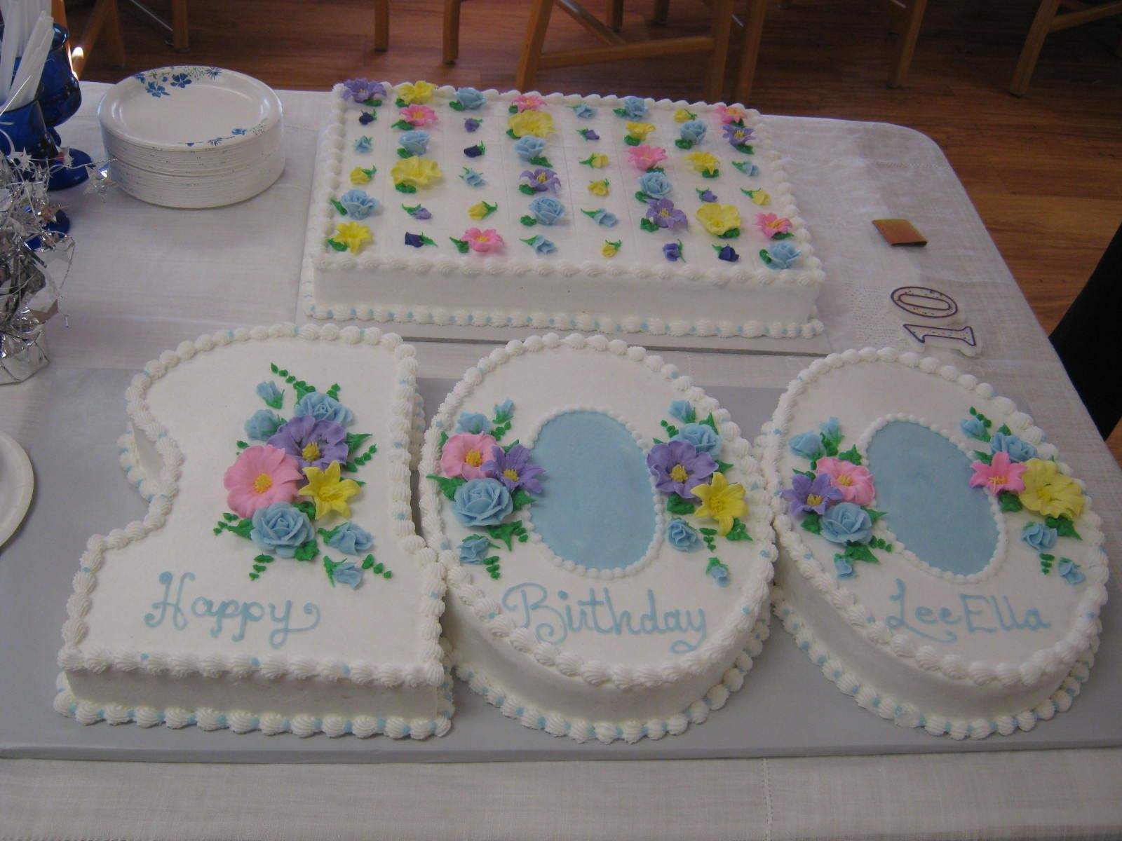 Our Dear Friend Lee Ella Moores 100th Birthday Cake Isnt It Beautiful