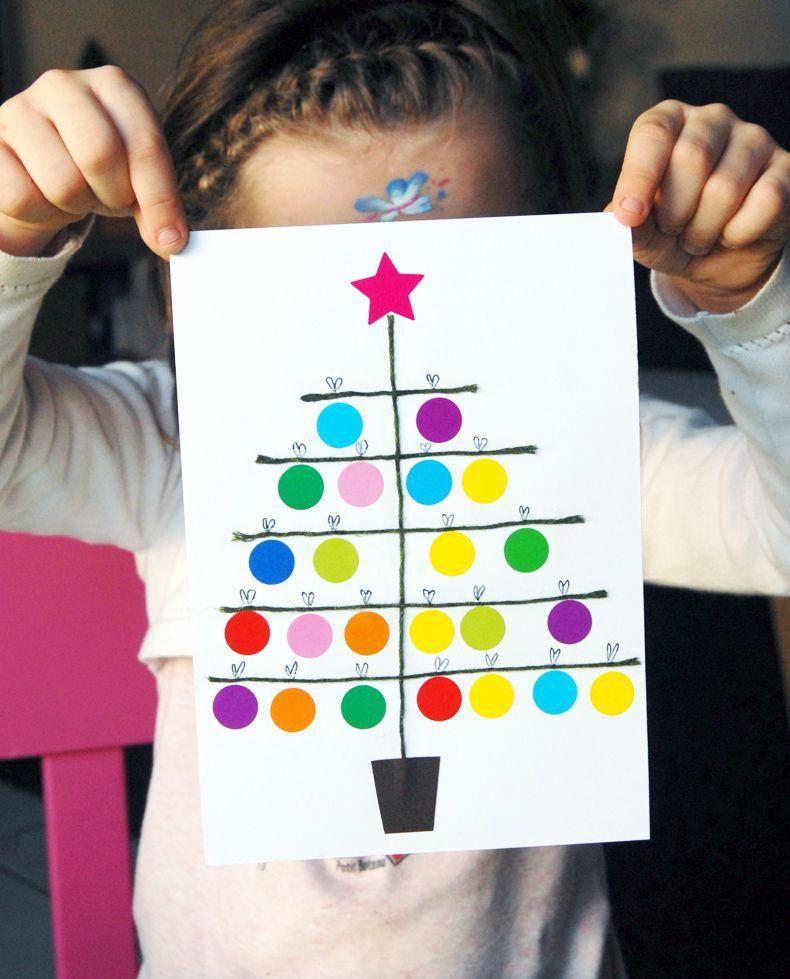 Carte Sapin de Noël en gommettes | Jouonsensemble.fr #bricolagemaison,materielbricolage,bricolagefacile,bricolagedecoration,bricolageàdomicile,bricolagejardin,petitbricolage,aidebricolage,idéebricolage,outillagebricolage,conseilbricolage #cartedenoelenfant