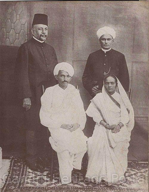Mahatma Gandhi And Kasturba With Muhammed Yakub Hasan G A Natesan During Hi First Visit To Marda 1915 Photo Indira Essay In Hindi