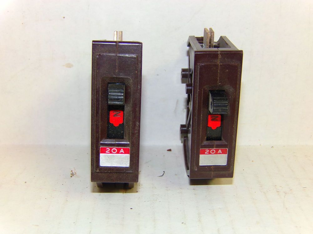 2 WADSWORTH 20 Amp CIRCUIT BREAKER Type A 120V Single Pole | Great ...