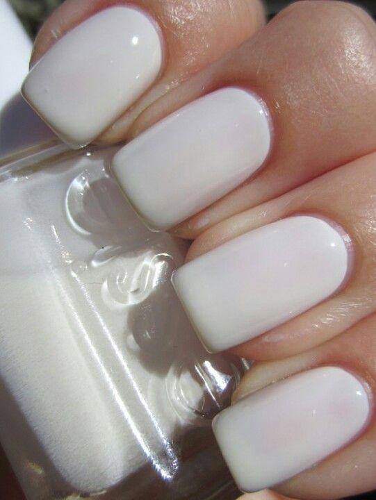 Amo este color en las uñas! !!