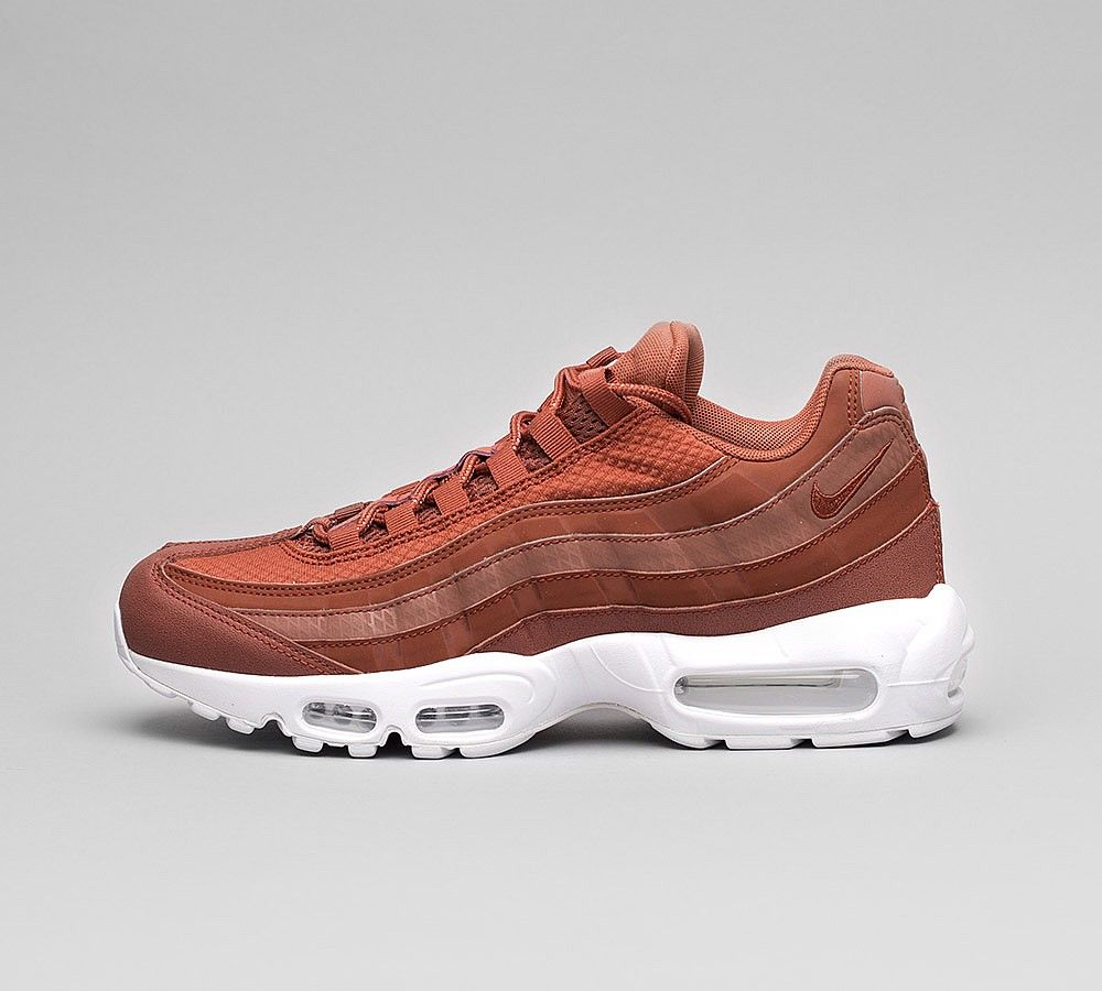 new arrivals ab7bd 12e01 Nike Air Max 95 Essential  Pull Tab  Chaussures Noir rouge