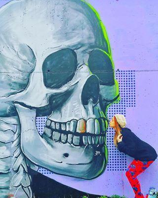I was always kissing boneheads ... . Who's been down to check these out? . 📸 @marineparadegraffitiwall . . #edinburgh #kiss #graffiti #scottishstreetart #scottishart #skull #betcheslovemurals #leith #edinburghlife #edinburghhighlights #unusualedinburgh #explorescotland #visitscotland #wanderlust #darlingescapes #scotland #edinburghbloggers #streetart #urbanart #wallart #design #travel #budgettravel