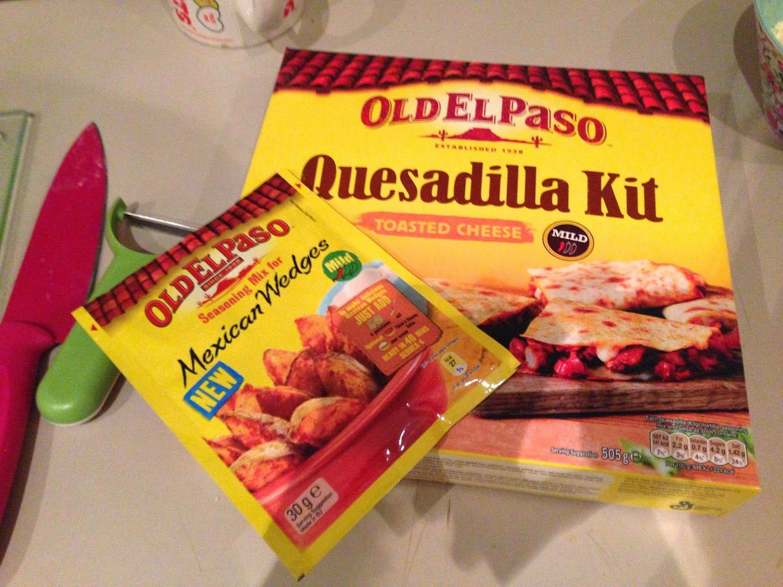 BLOGGER OUTREACH - HULL BLOGGER EVENT -Living my champagne lifestyle on a lemonade budget: Old el Paso kits | Sample Sunday