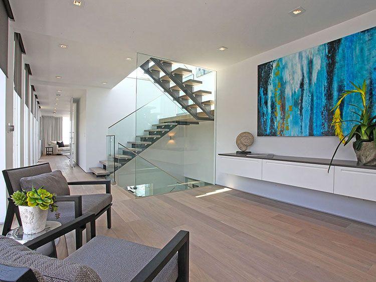 30 immagini di scale interne con ringhiere in vetro for Case moderne contemporanee