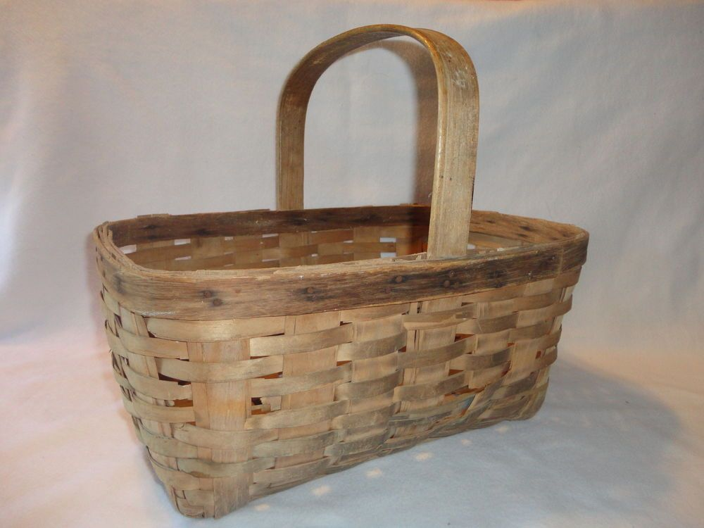 Antique 1930 s HAND WOVEN REAL WOOD MARKET BASKET- VERY BEAUTIFUL, VERY CLASSIC