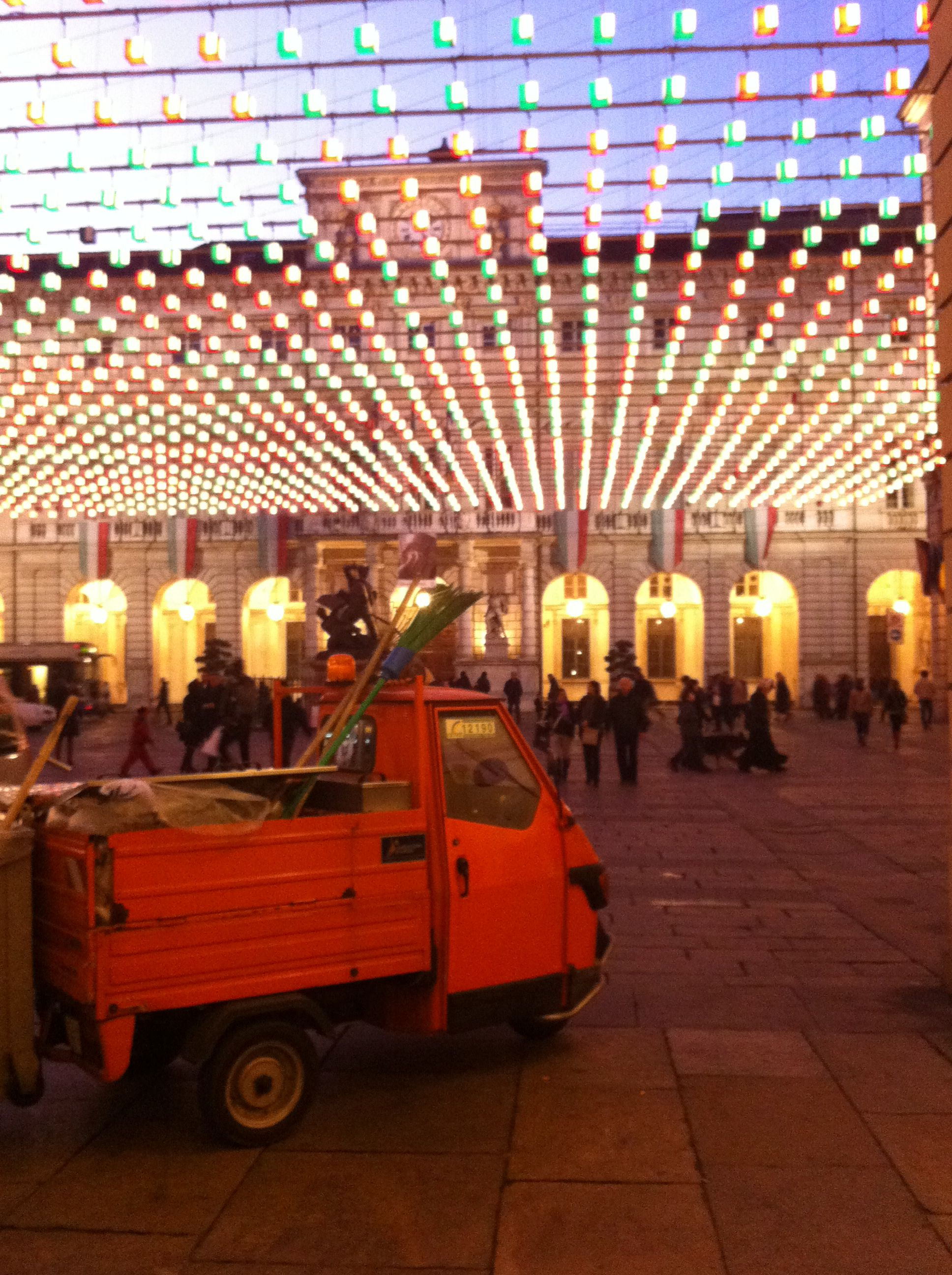 Torino - cubes or lamps?