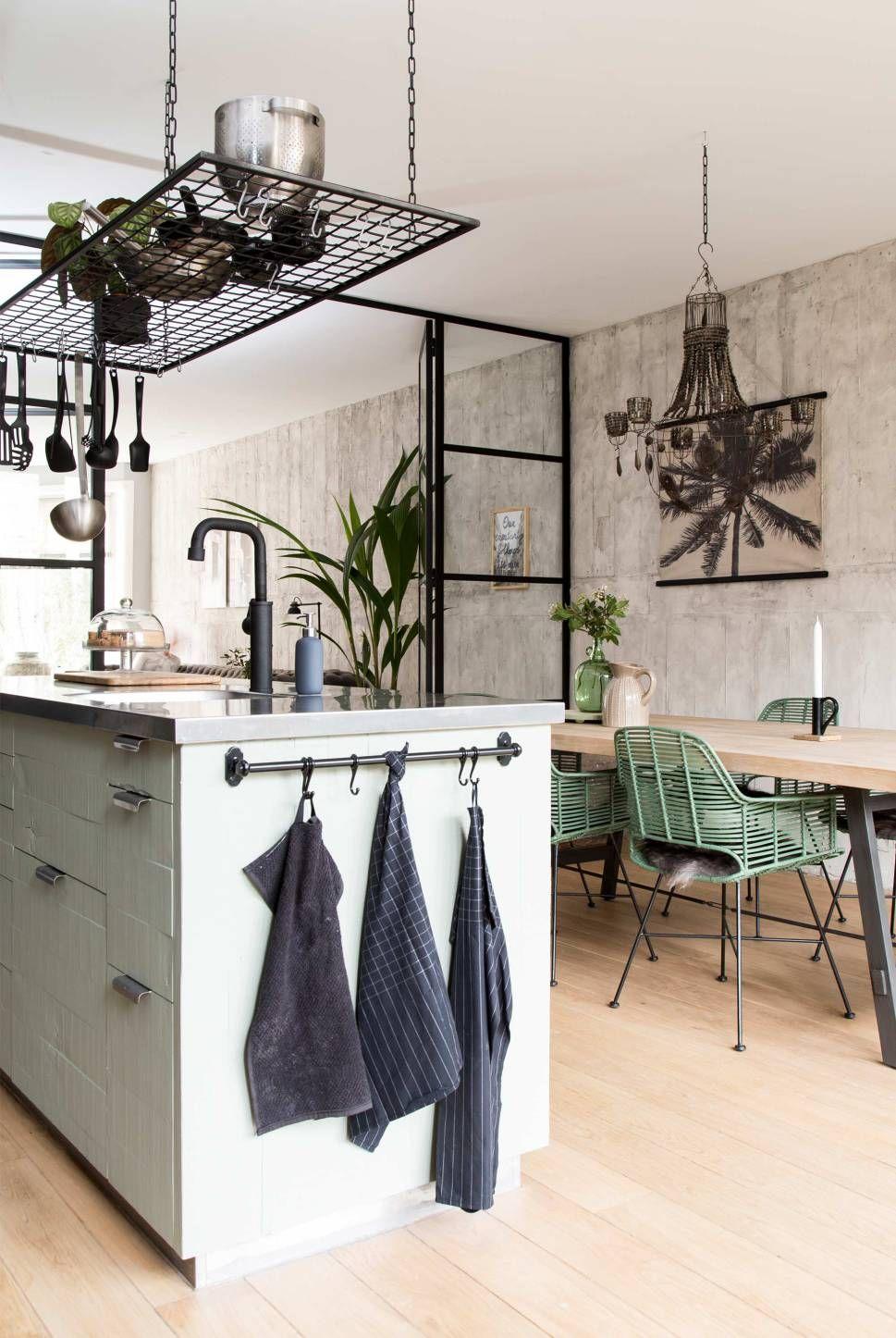 Un salon cuisine aux couleurs de la nature - PLANETE DECO a homes