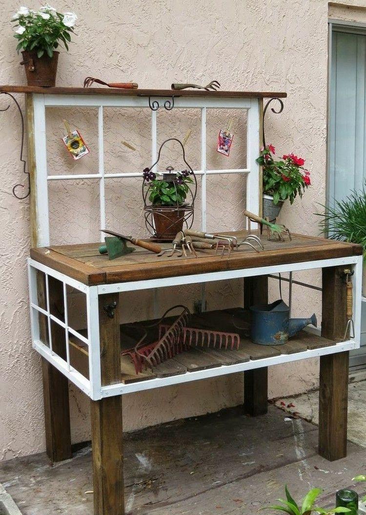 Gartendekoration aus altem holz  Pflanztisch aus alten Fenstern und Holz Tisch gebaut | Garten ...