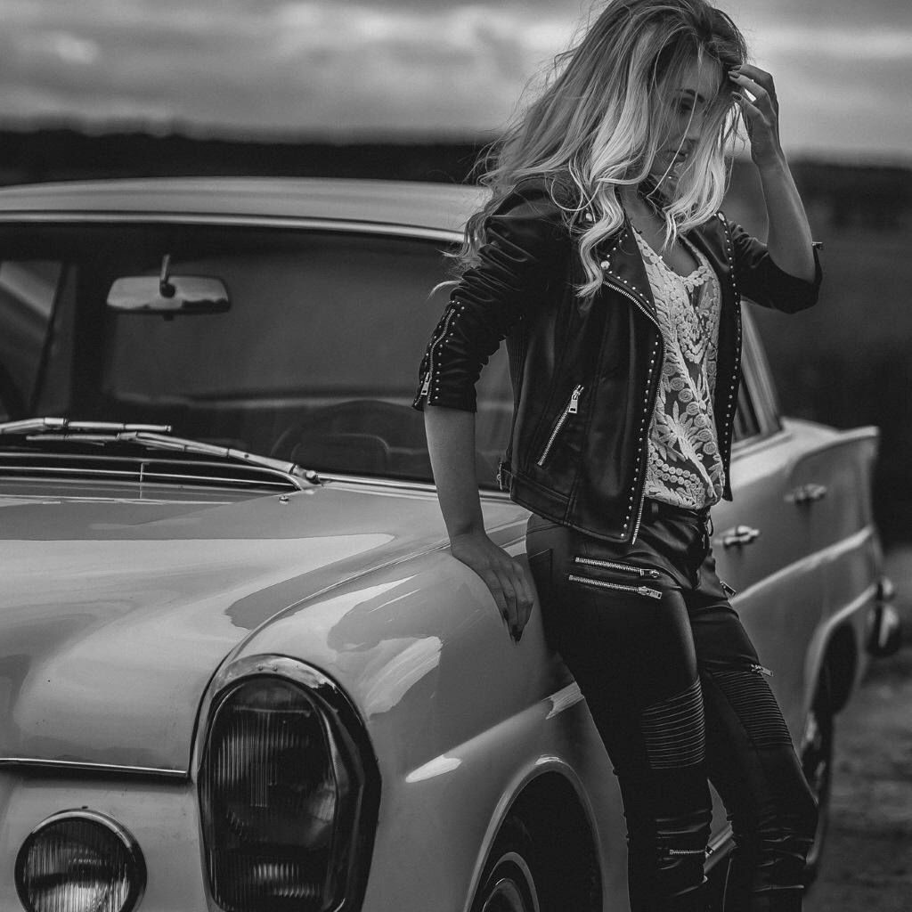 Classic mercedes benz beautiful woman photo was taken for How do you spell mercedes benz