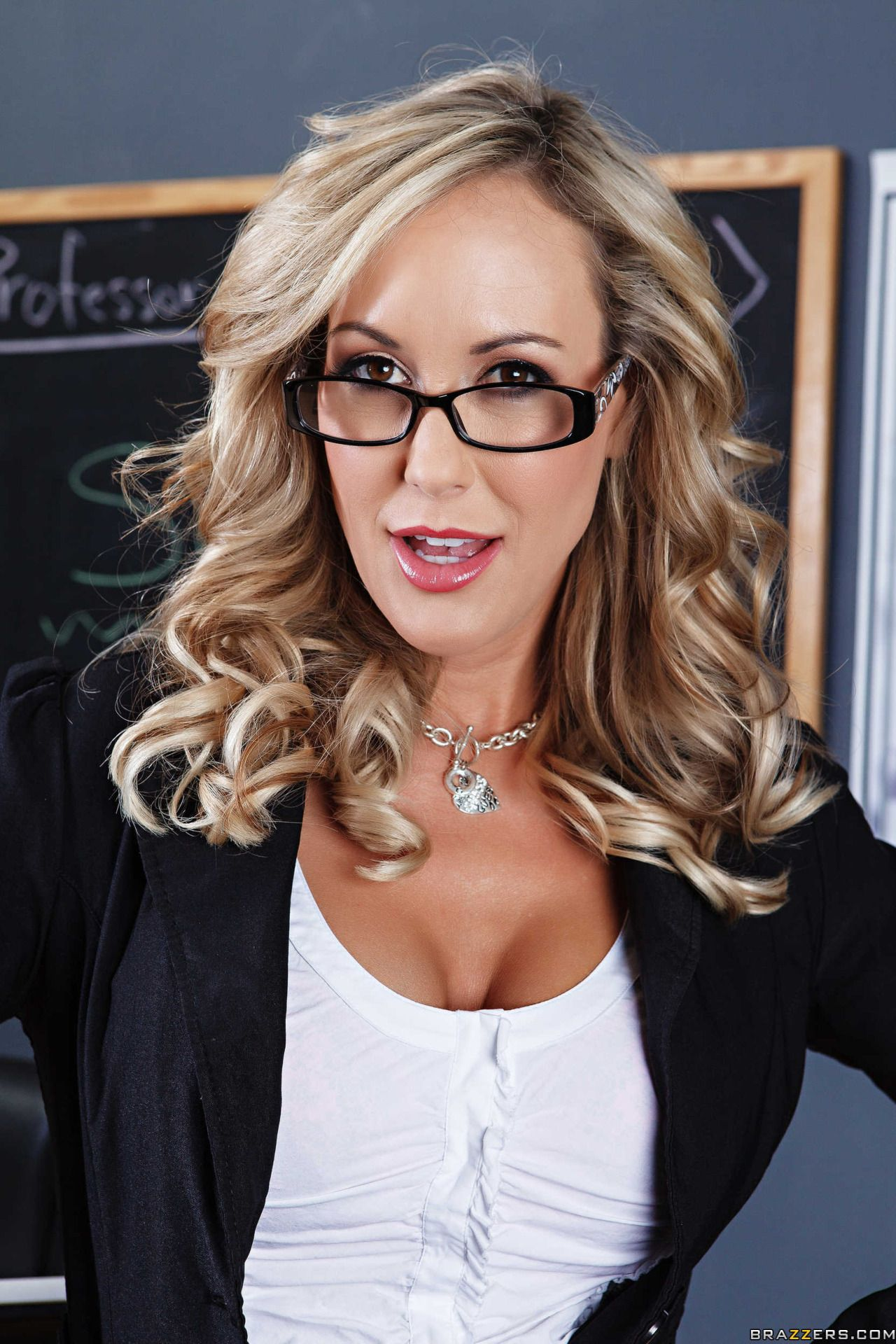 Brandi love - Home | Facebook | 1920x1280