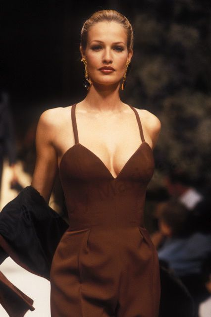 Karen Mulder / Photo Guy Marineau Givenchy_cf_1993