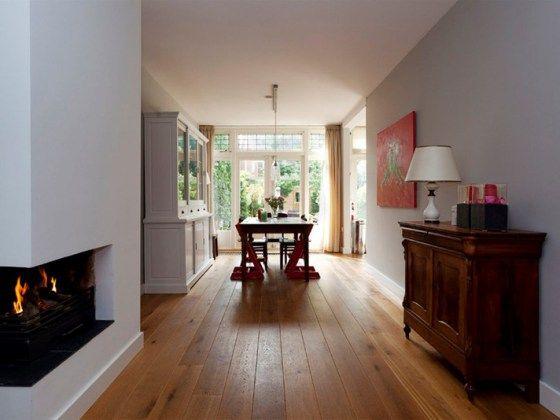 Moderne open haard in jaren huis stylist en interieurontwerper