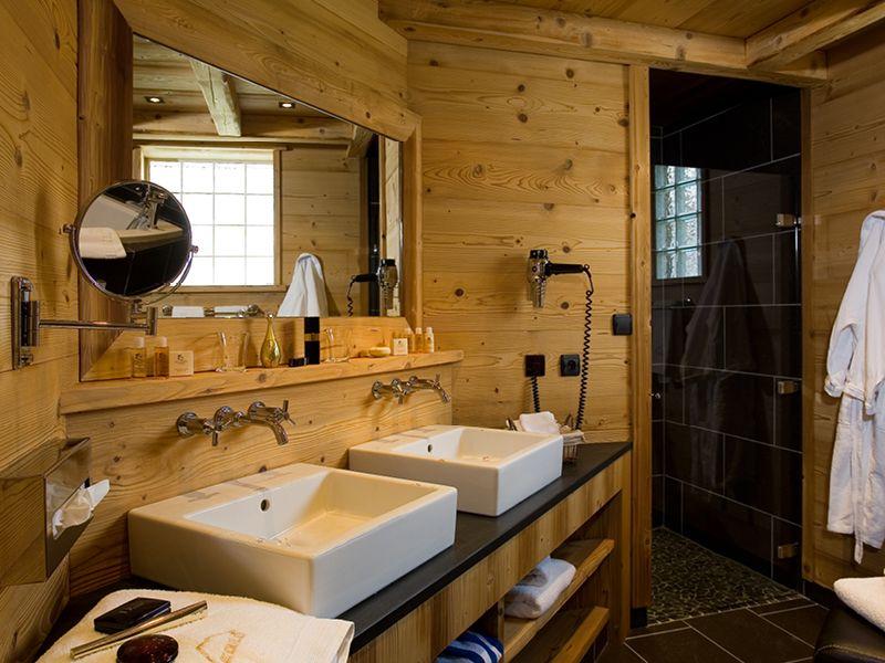 pingl par catherine martin sur salle de bains pinterest chalet montagne salle de bains et. Black Bedroom Furniture Sets. Home Design Ideas