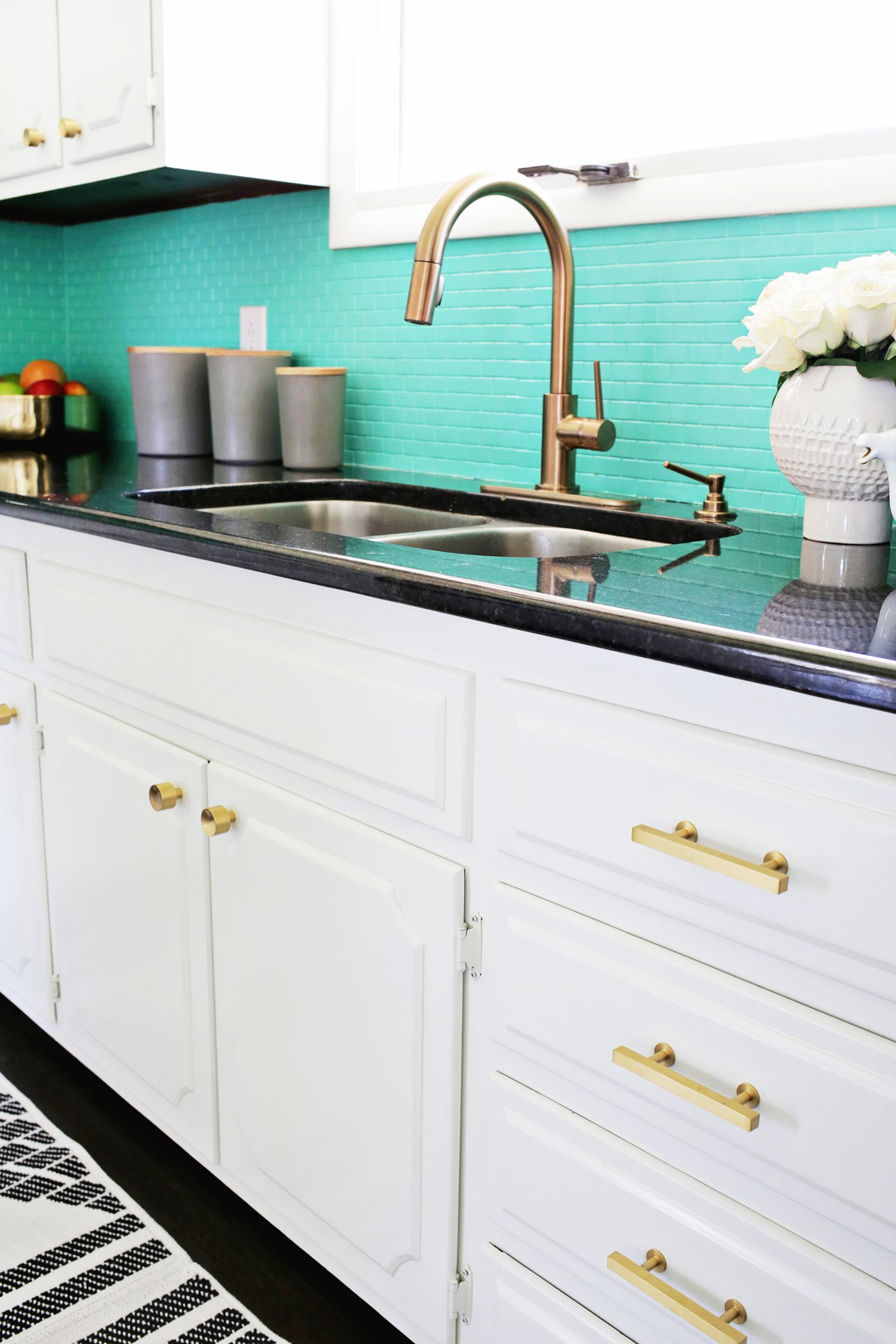 Laura\'s Kitchen (Before + After | Kitchen decor | Pinterest ...
