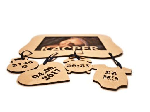 Metryczka Urodzenia Zdjecie Ramka Prezent B Tanio 7013936198 Oficjalne Archiwum Allegro Place Card Holders Place Cards Cards