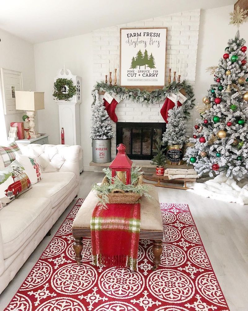 Best 19 Festive Christmas Living Room Decor Ideas Christmas 400 x 300