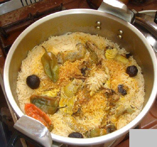 طريقة عمل مندي بقدر الضغط بالفحم طريقة Recipe Best Rice Recipe Eastern Cuisine Food