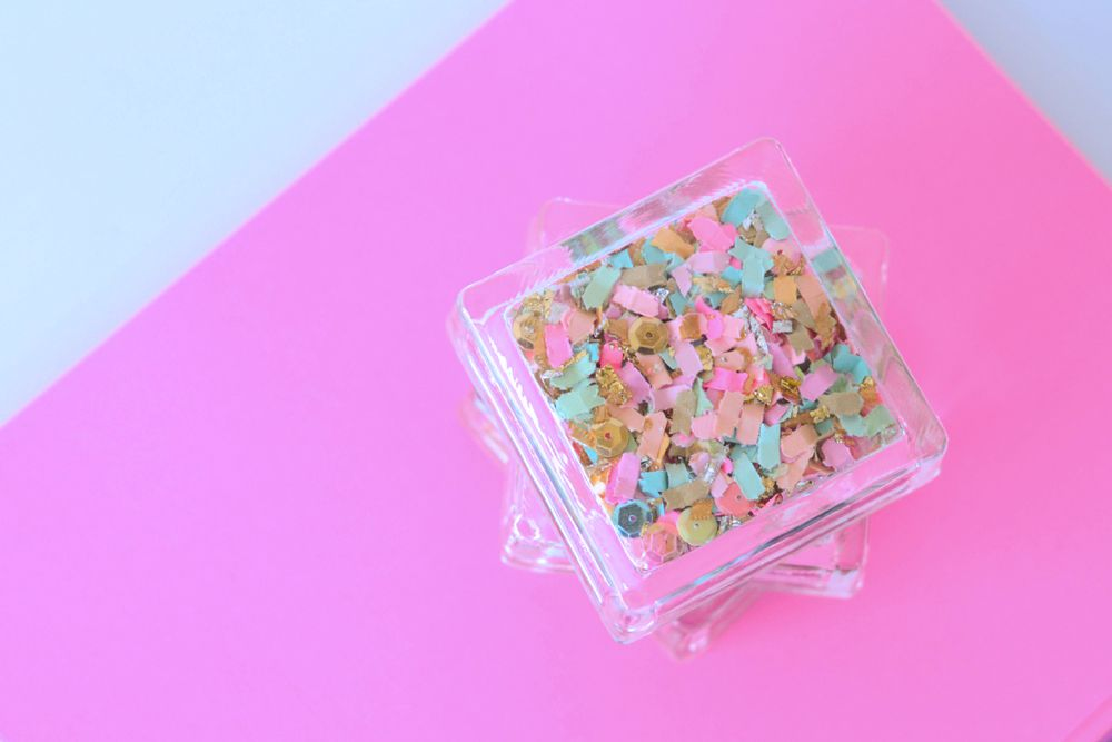 DIY Confetti Paperweights - The Confetti Bar