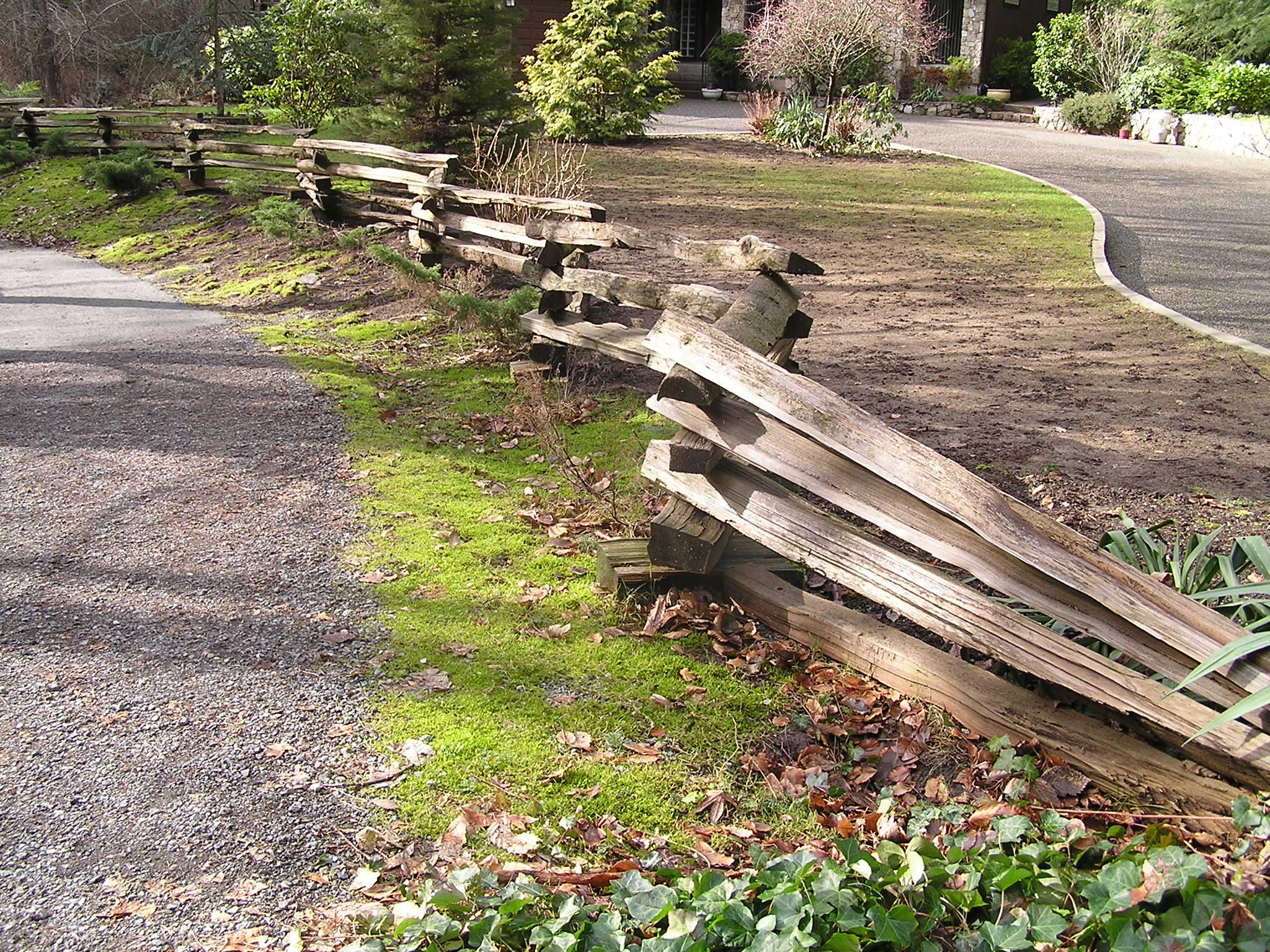 shows how the fence was installed following the trail is a