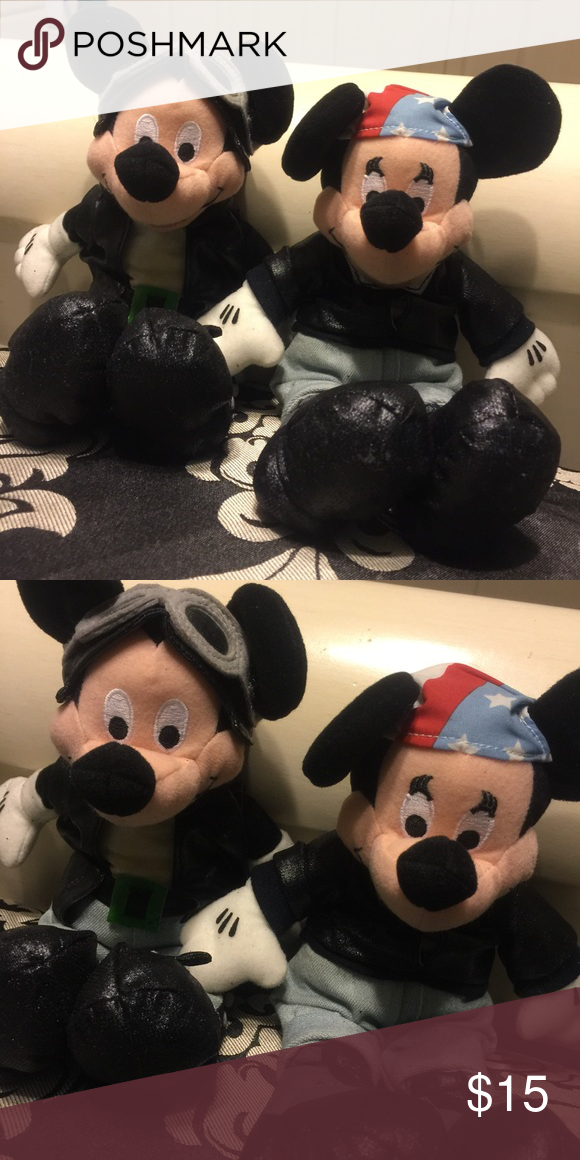 Mickey Mouse Set of two Mickey Mouse beanies Other