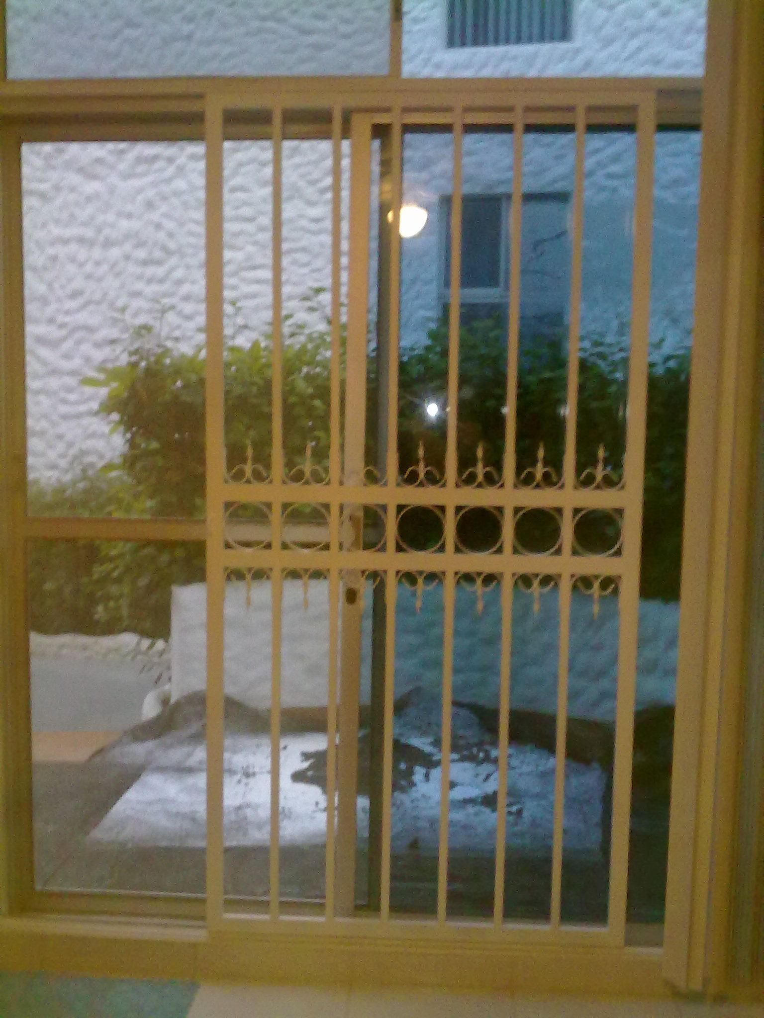 Rejas para puerta corrediza en tubo rectangular de 20x40x1 for Puertas corredizas de metal