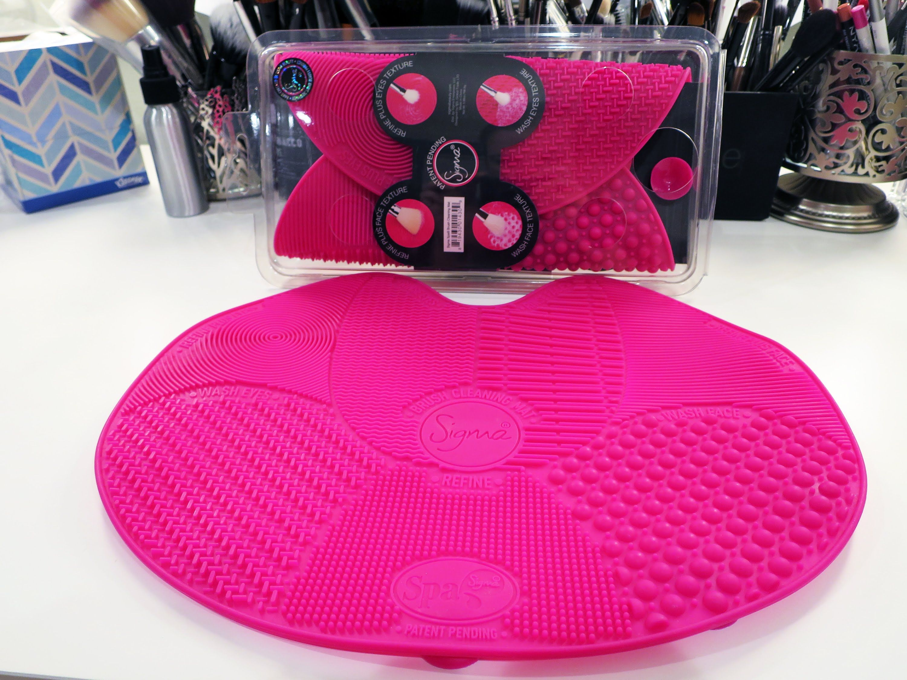 Review and Demo: Sigma Spa Brush Cleaning Mat | Sigma Brush Care ...