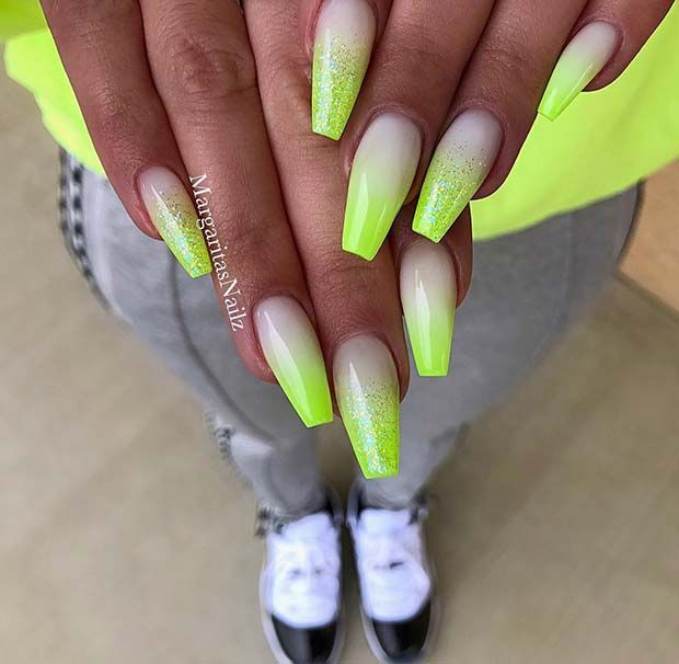 23 Pretty Glitter Ombre Nails That Go With Everything Page 2 Of 2 Stayglam In 2020 Ombre Nails Glitter Lime Nails Lime Green Nails