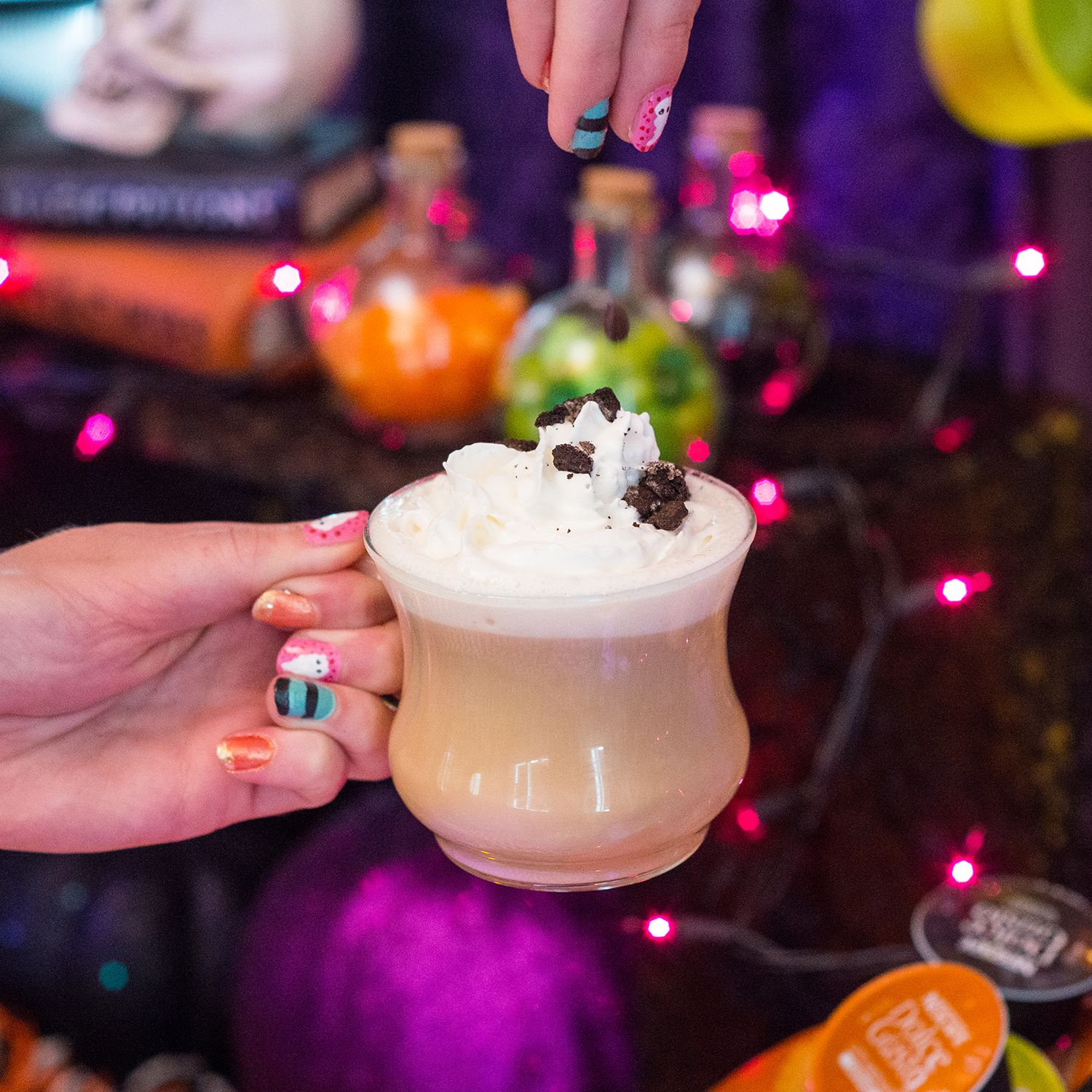 The perfect latte sprinkled with a #CookieCrumble 'monster munch.' #Halloween #dolcegusto #NailArt