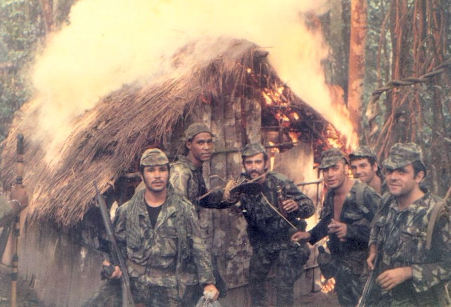 Portuguese Soldiers Torching A Hut Belonging To Guerrillas During The Portuguese Colonial War Angola 1973 Cold War Military World Conflicts Military History