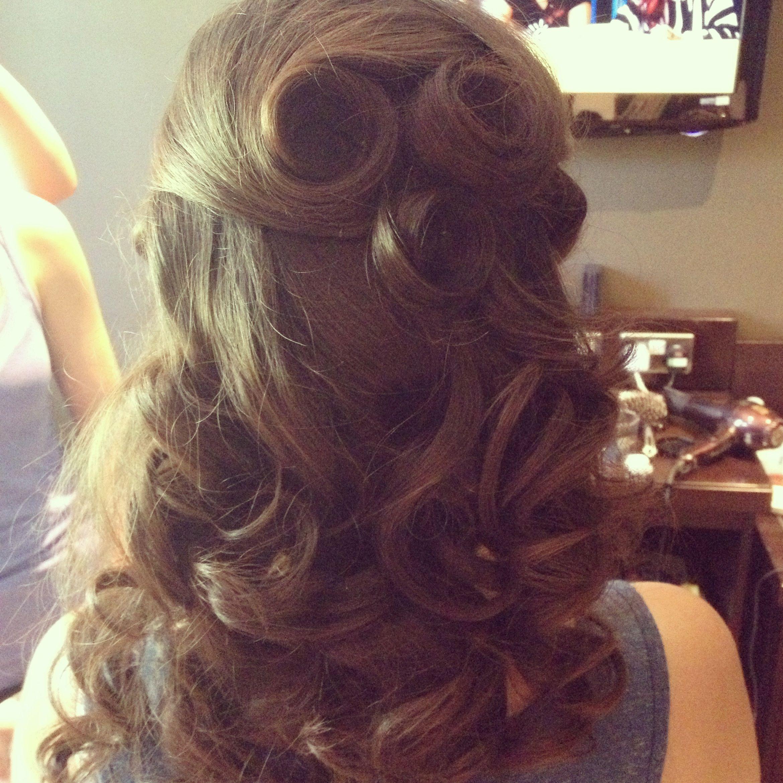 half up half down vintage wedding hairstyle. i like how it