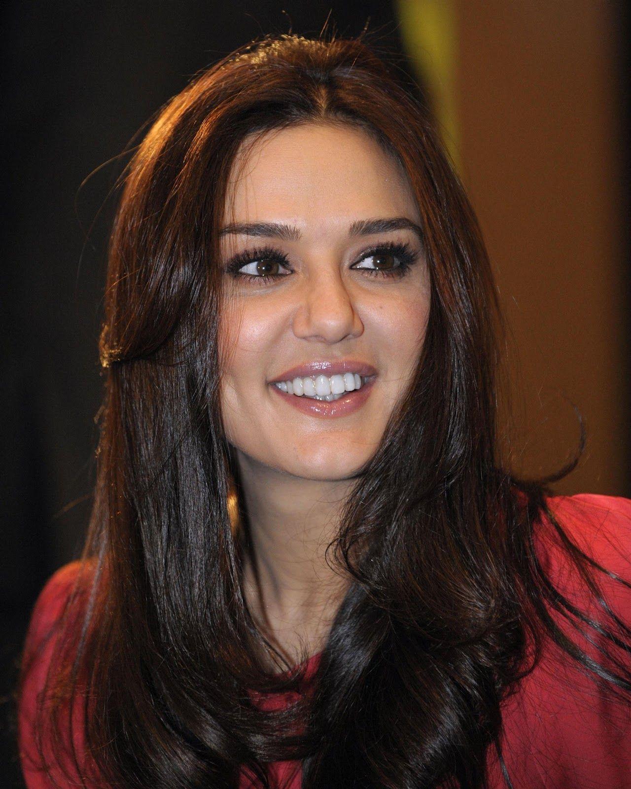 Prity Zinta sexy Video