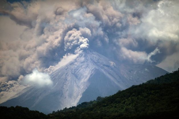 Guatemala volcano erupts - thousands flee