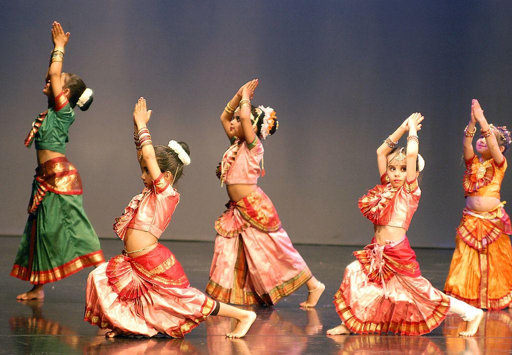 Dance classes in east of kailash delhi music school
