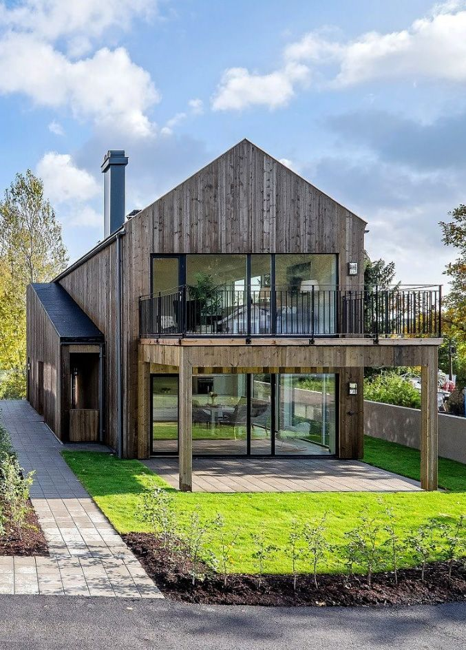 Image result for exterior pictures barn with front balcony for Einfaches holzhaus bauen