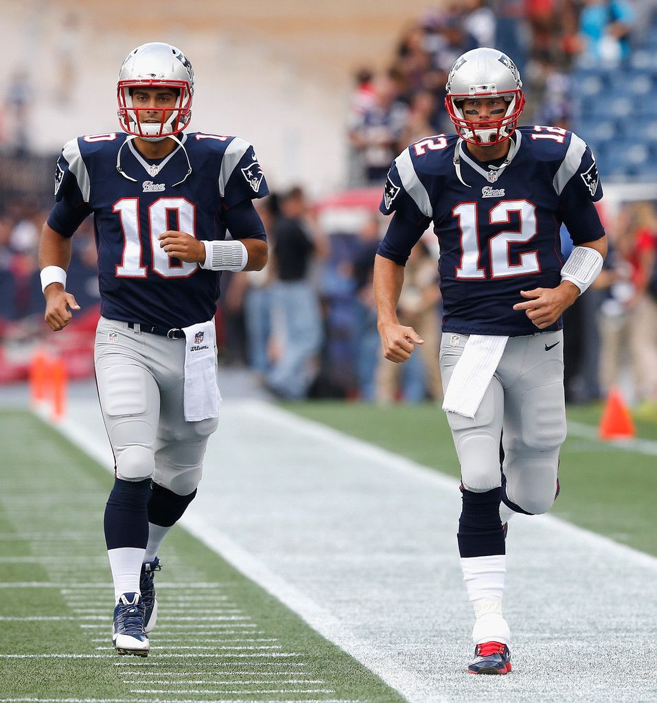 Jimmy Garoppolo 10 And Tom Brady 12 Of The New England Patriots Warm Up During Pre Game In 2020 Patriots Football New England Patriots Football New England Patriots