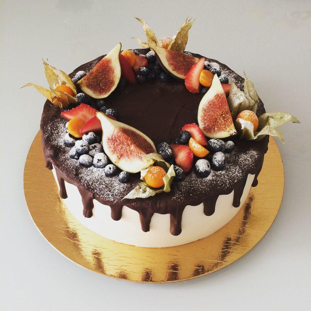 Пин на доске Оформление торта ягодами