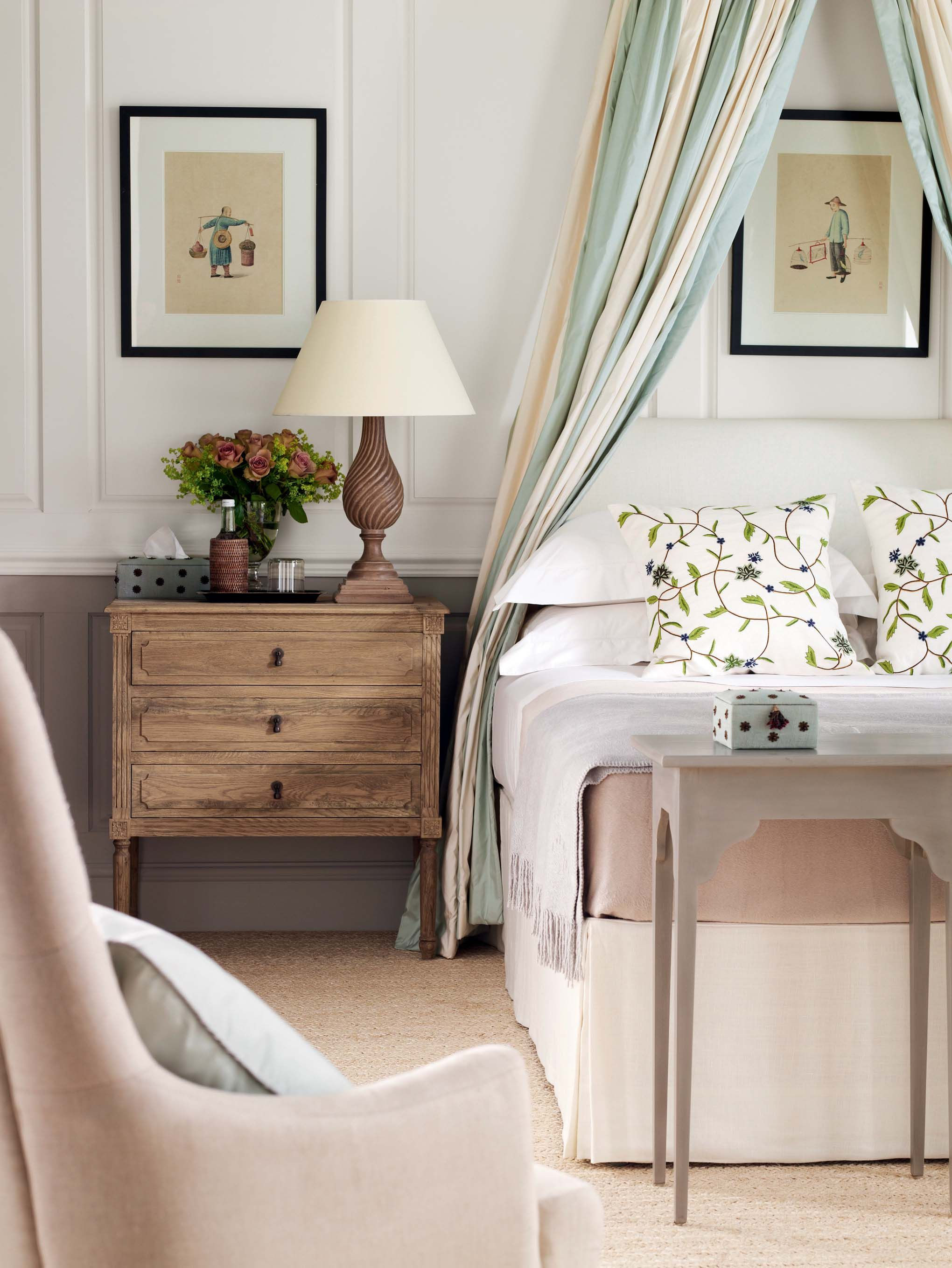 Flowers and leaves add a fresh touch to a cream room ...