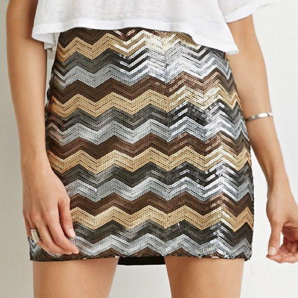 Chevron Skirt NWOT Chevron Skirt Forever 21 Skirts Mini