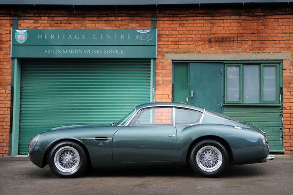 Profile View Of An Aston Martin Db4 Gt Zagato Sanction Ii For More Informations Please Visit Www Astonmartin Aston Martin Cars Aston Martin Db4 Aston Martin